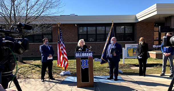 Senator Gillibrand visits Center Street